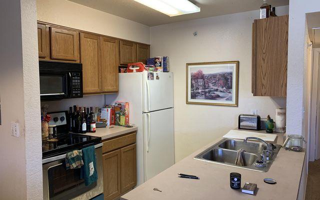 Mountain Glen Condominiums E-202 - photo 4