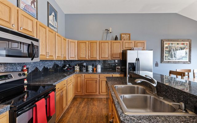 Lakepoint View Townhomes A - photo 10