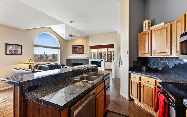 Lakepoint View Townhomes A - photo 9