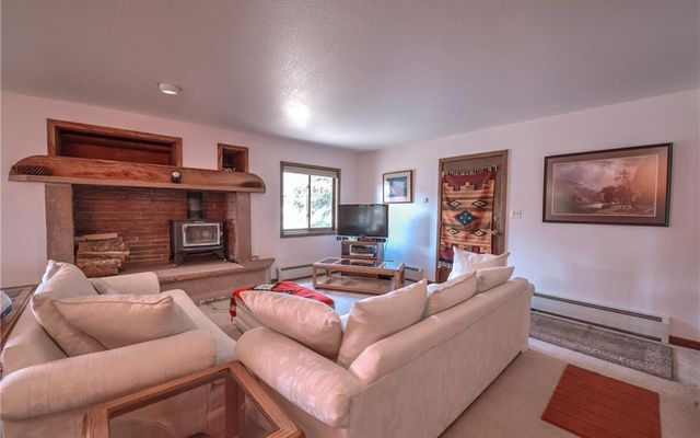257 E Coyote Court - photo 2