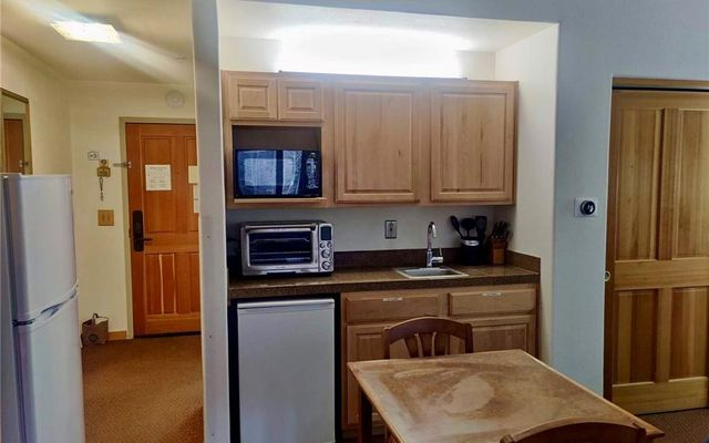Gateway Condo 5037 - photo 4