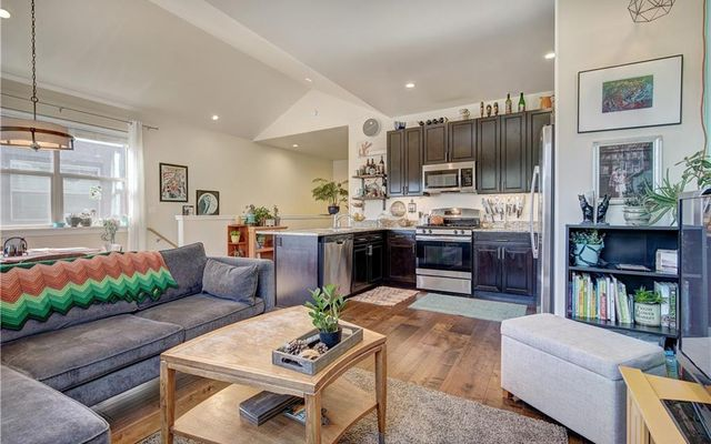West Hills Townhomes - - photo 6