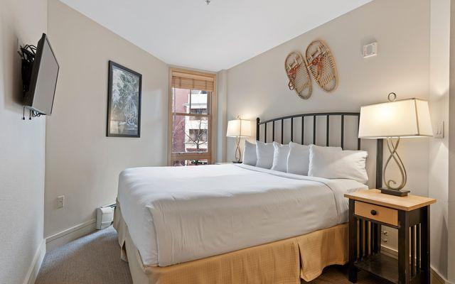 Silver Mill Condominiums 8181 - photo 20