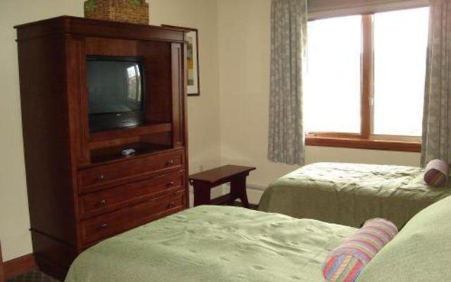 Valdoro Mountain Lodge Condo 301  - photo 10