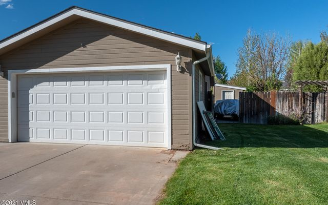 110 Evergreen Place - photo 18