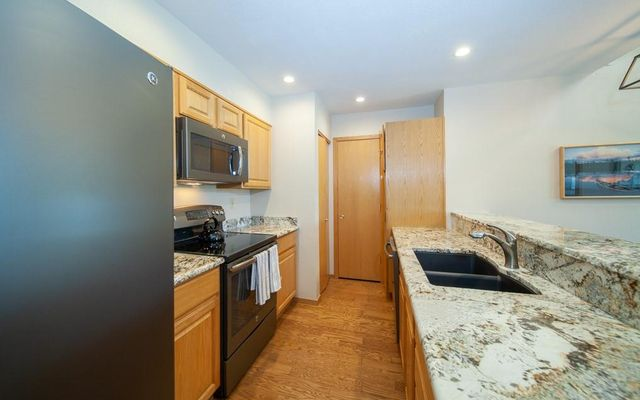 Lake Forest Condominiums 301a - photo 15