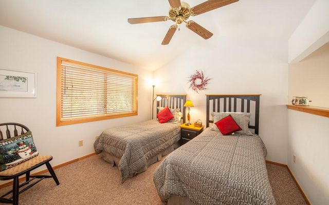 Lake Forest Condominiums 301a - photo 20