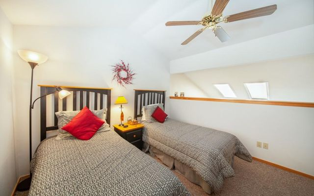Lake Forest Condominiums 301a - photo 21