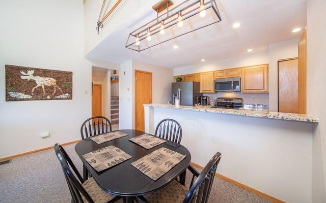 Lake Forest Condominiums 301a - photo 3