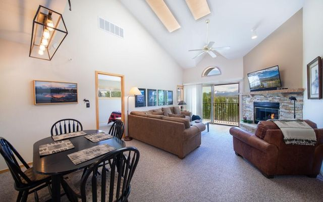 Lake Forest Condominiums 301a - photo 4