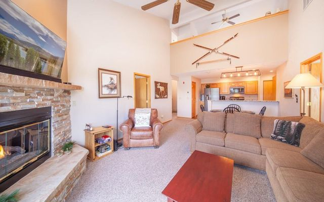 Lake Forest Condominiums 301a - photo 5
