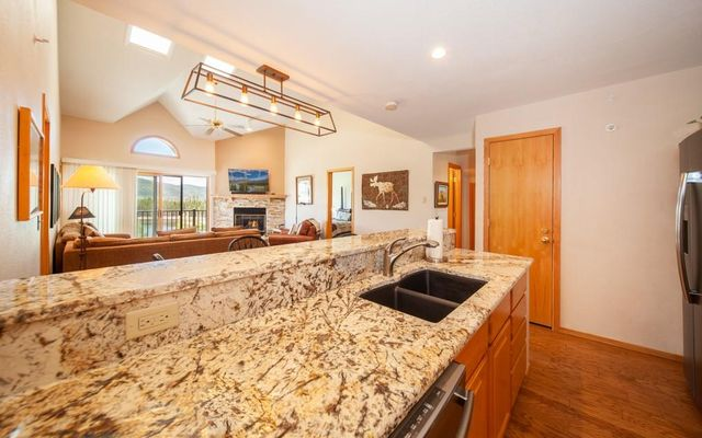 Lake Forest Condominiums 301a - photo 6