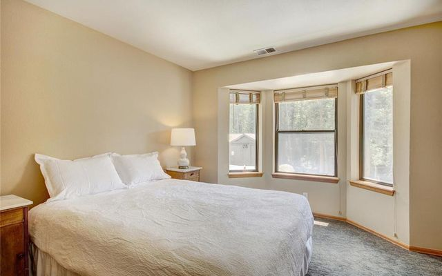 Village Point Townhomes At Breck 302 - photo 12