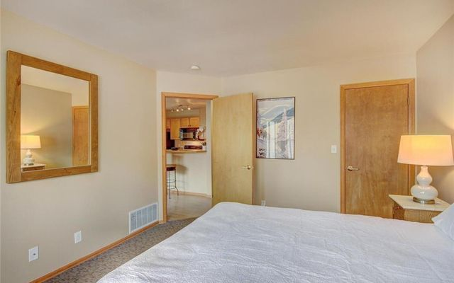 Village Point Townhomes At Breck 302 - photo 14