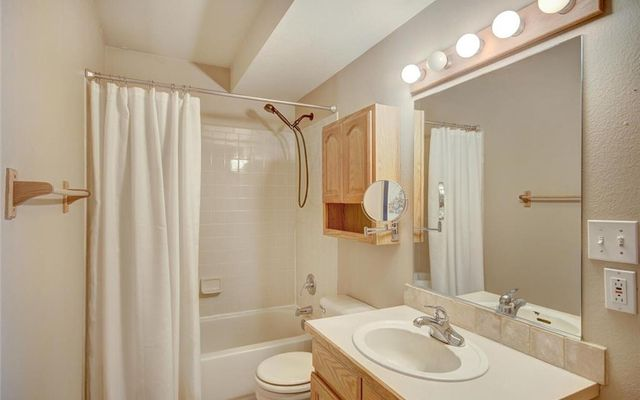 Village Point Townhomes At Breck 302 - photo 15
