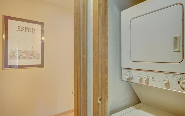 Village Point Townhomes At Breck 302 - photo 17
