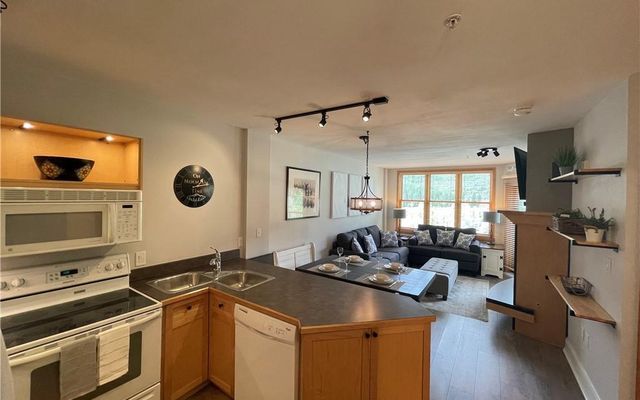 Silver Mill Condominiums 8250 - photo 3