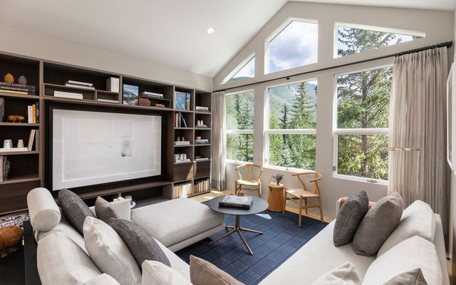 600 Vail Valley Drive F-5 Vail, CO 81657