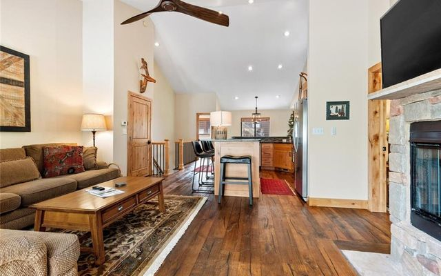 Village Point Townhomes At Breck 105 - photo 4