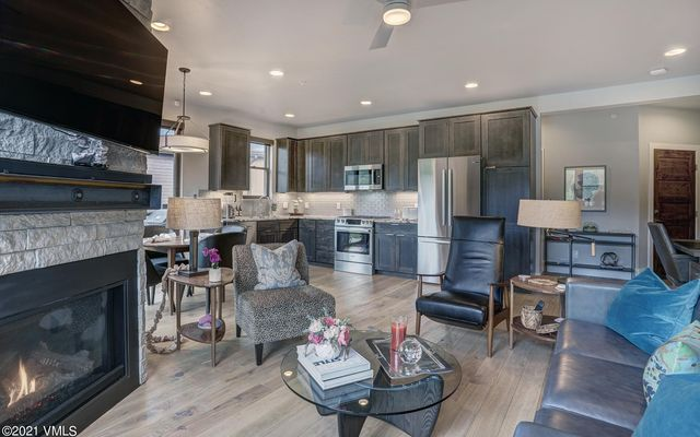 1080 Blue River Parkway #302 Silverthorne, CO 80498