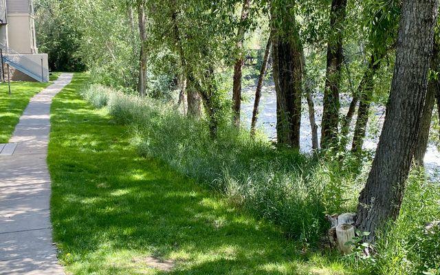 River Pines Condo b304 - photo 32