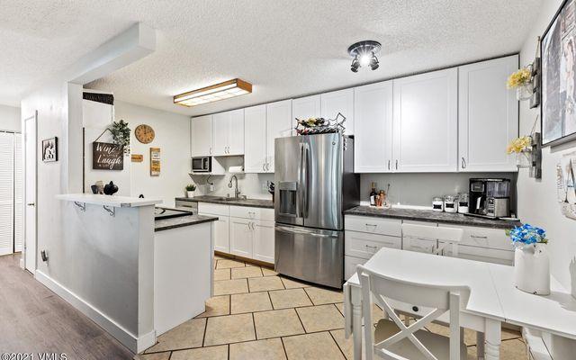 Liftview/Sunridge Condos 1 d212 - photo 2