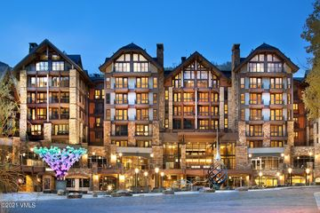 141 Meadow Drive 7E WEST Vail, CO
