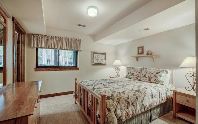 Village Point Townhomes At Breck 202 - photo 21