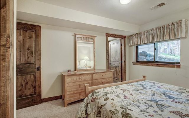 Village Point Townhomes At Breck 202 - photo 24