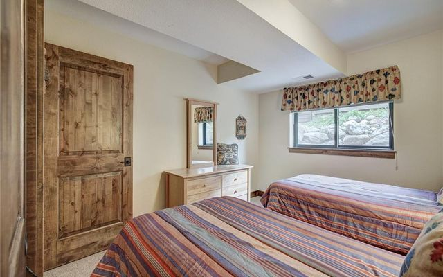 Village Point Townhomes At Breck 202 - photo 29
