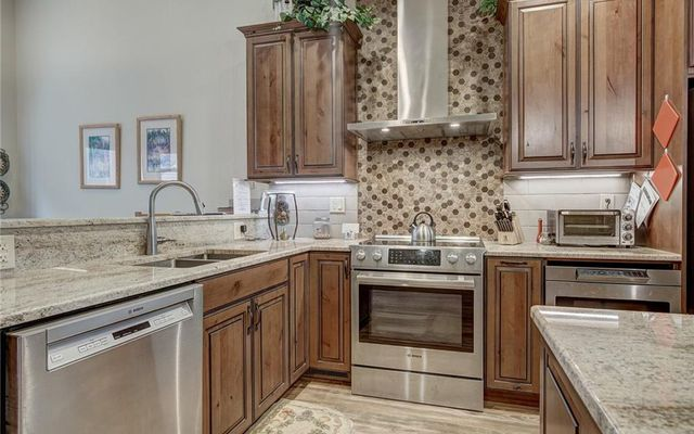 Village Point Townhomes At Breck 202 - photo 8