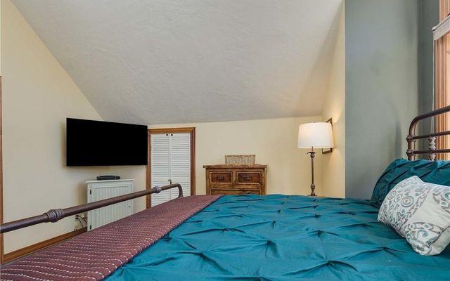 227 S Highland Terrace - photo 18