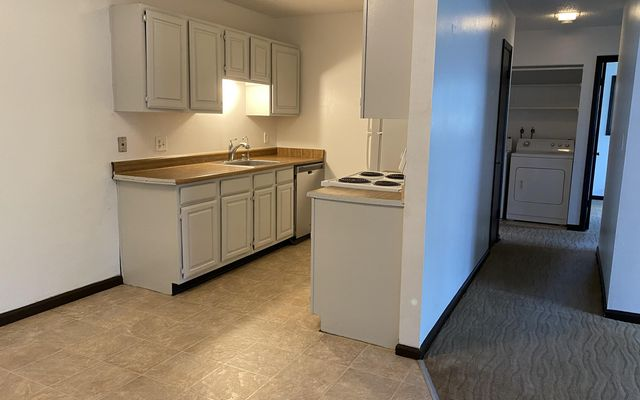 Liftview/Sunridge Condos 1 b303 - photo 9