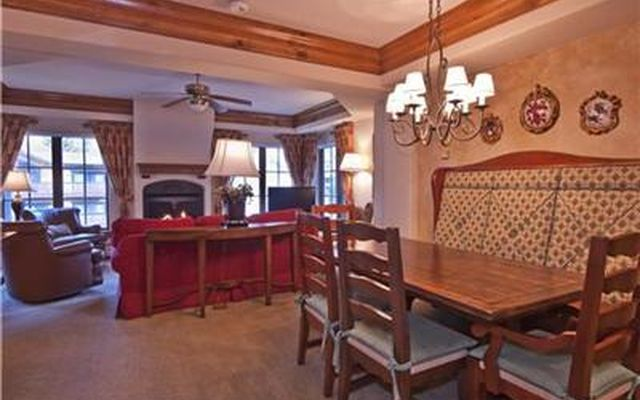 242 Meadow Drive #302 Vail, CO 81657