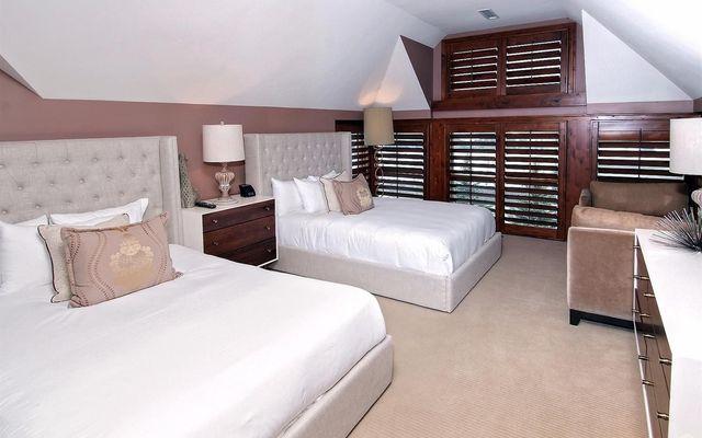 Ritz-Carlton Residences # R-508 - photo 15