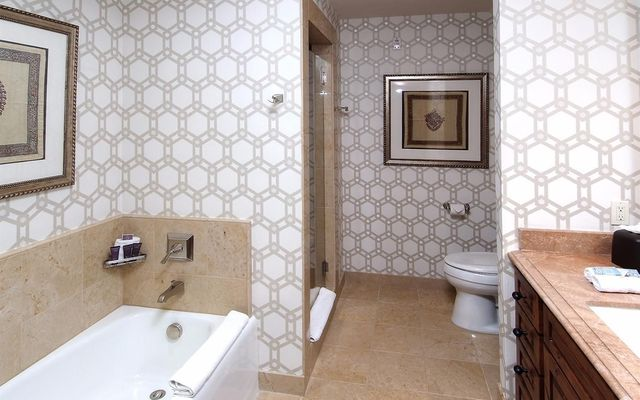 Ritz-Carlton Residences # R-508 - photo 16