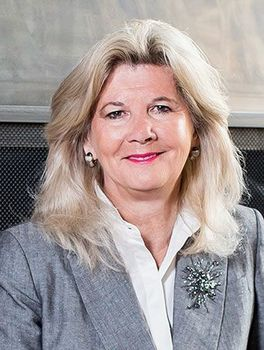 Catherine Jones Coburn - Slifer Smith & Frampton Real Estate Agent