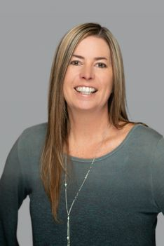 Sarah McNeill - Slifer Smith & Frampton Real Estate Agent